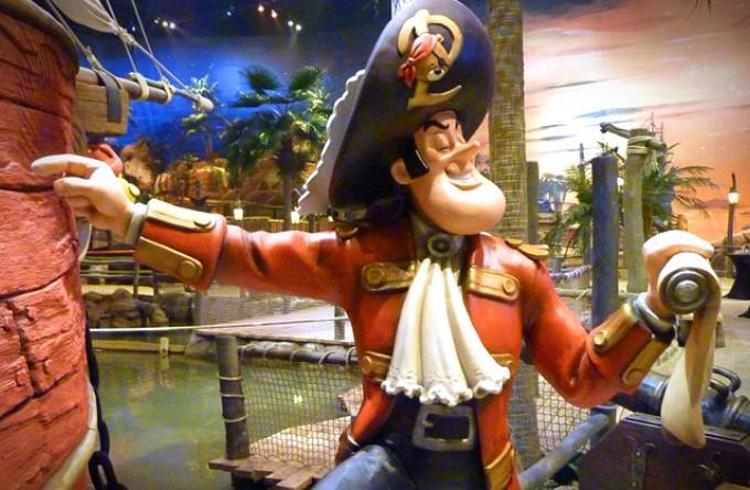 Piet Piraat kom je natuurlijk tegen in Plopsa Indoor Coevorden.