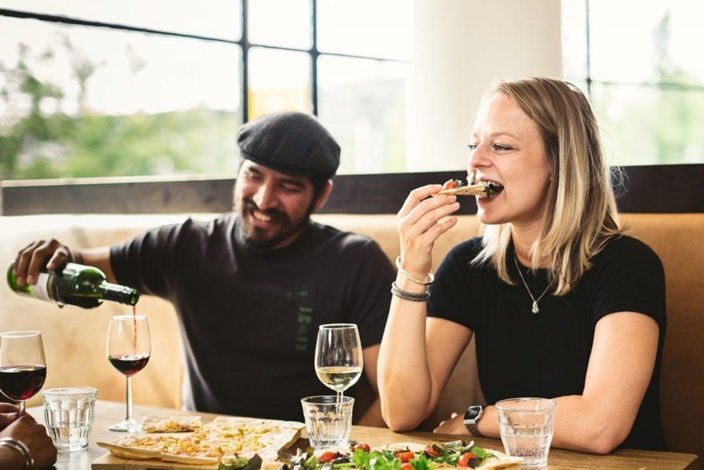 Euromast dineren is genieten van een 3 gangen menu op grote hoogte