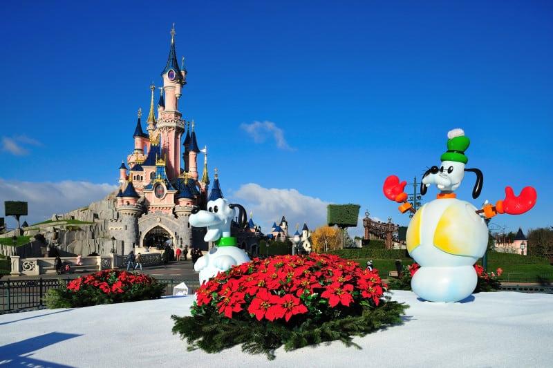 Kerstshoppen combineren met een bezoek aan Disneyland Parijs.