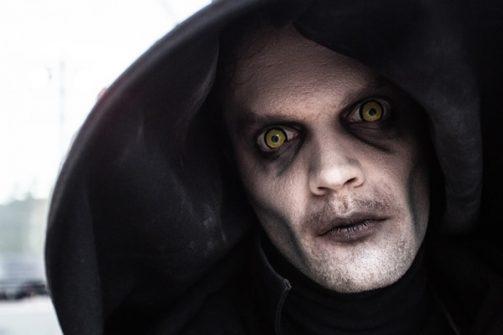 Veel monsters, freaks, engerds en psycho's wachten op je.