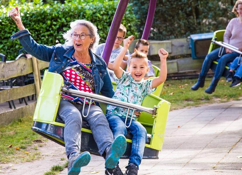 Jong en oud hebben plezier in De Waarbeek Hengelo