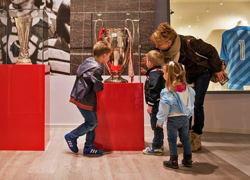 Breng ook eens een bezoek aan het PSV Museum