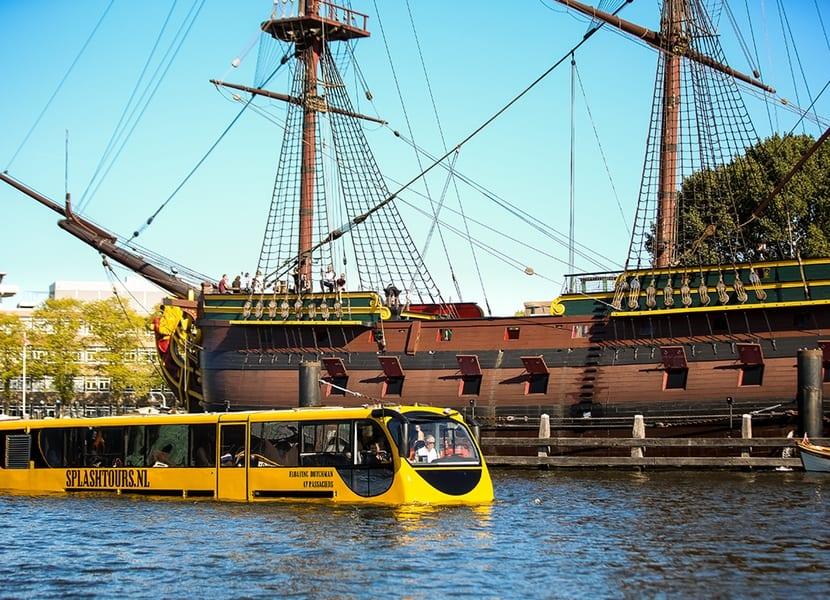 Unieke stadstour door Amsterdam met de Splashbus