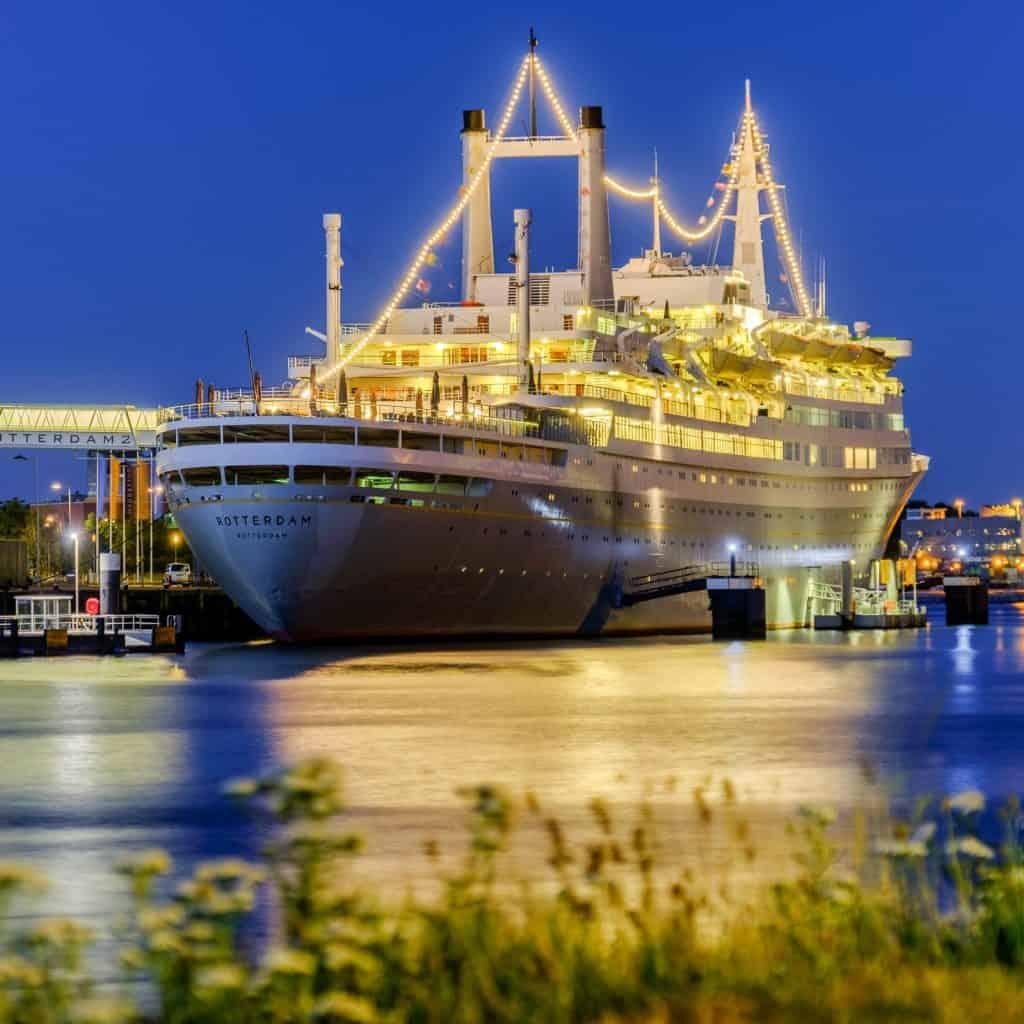 Het grootste cuiseschip ooit in Nederland gemaakt, de SS Rotterdam