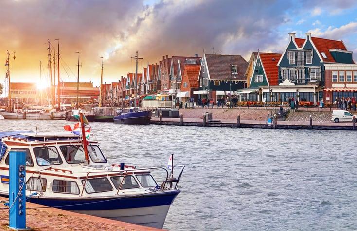 De haven van Volendam