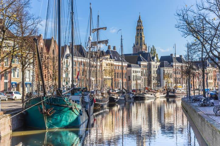 Maak eens een tocht door de grachten van Groningen